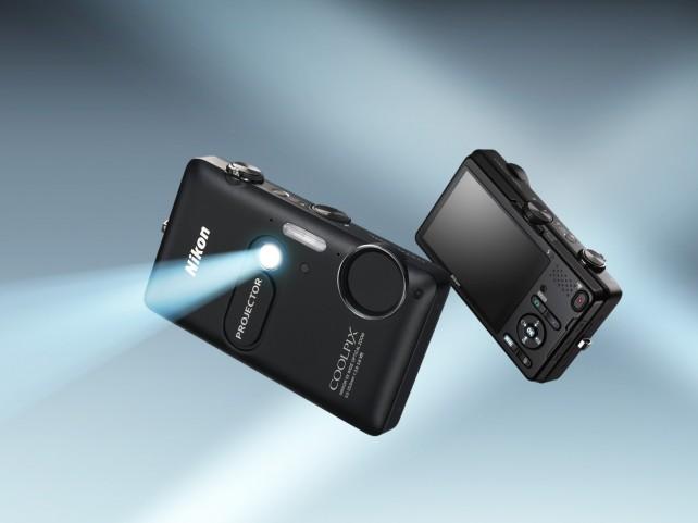Nový fotoaparát od Nikonu pro iOS zařízeni s projektorem!