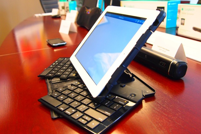 Logitech Fold-Up Keyboard for iPad 2