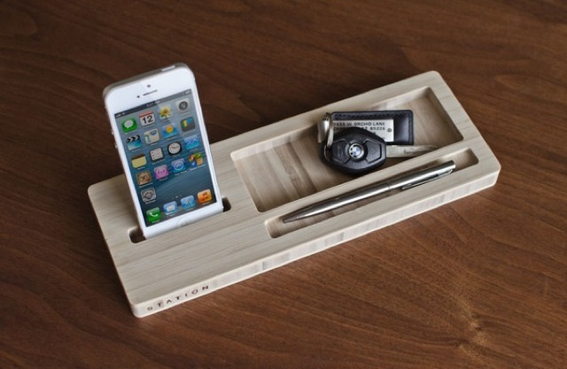 STATION iPhone Docking Space Could Help Keep Your Desk