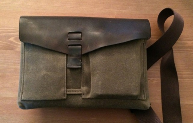 Review: Outback Solo Is The iPad Bag Indiana Jones Would Choose