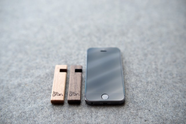 FineGrain's Coburn Jr. Is A Simple Wood Stand For iPhone