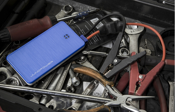Recharge An iPhone, Or Even A Dead Car Battery, With The JUMPR From JunoPower