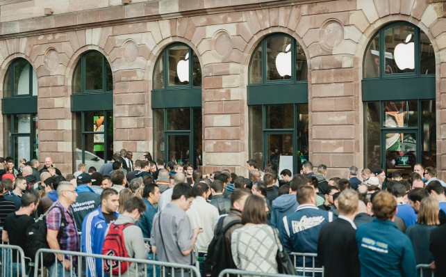 Apple retail chief: No more long lines