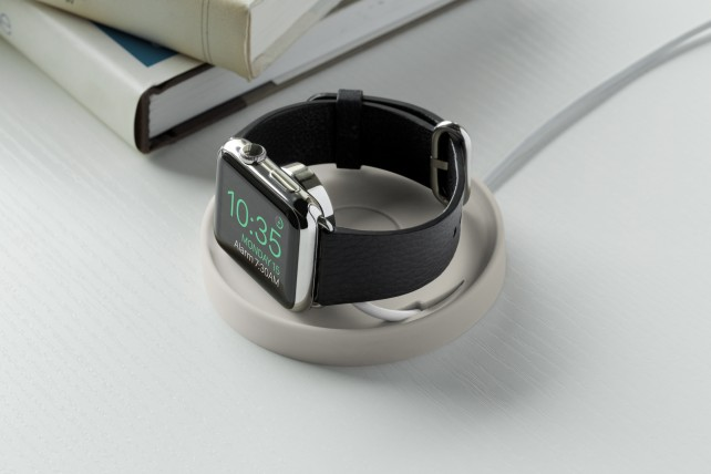 Review: Bluelounge Kosta Charging Coaster for the Apple Watch