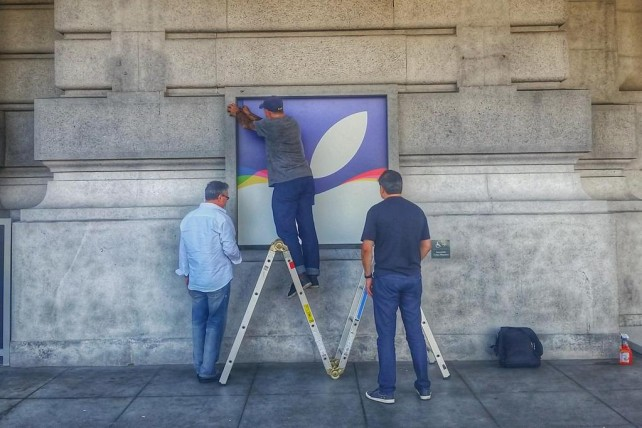 Apple begins decorating the Bill Graham Civic Auditorium for next week's iPhone event