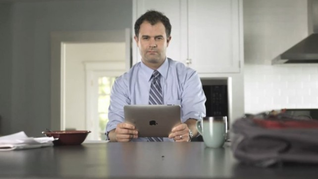 Viral Newsday iPad-Kills-Fly Ad Gets Pulled - By Apple?