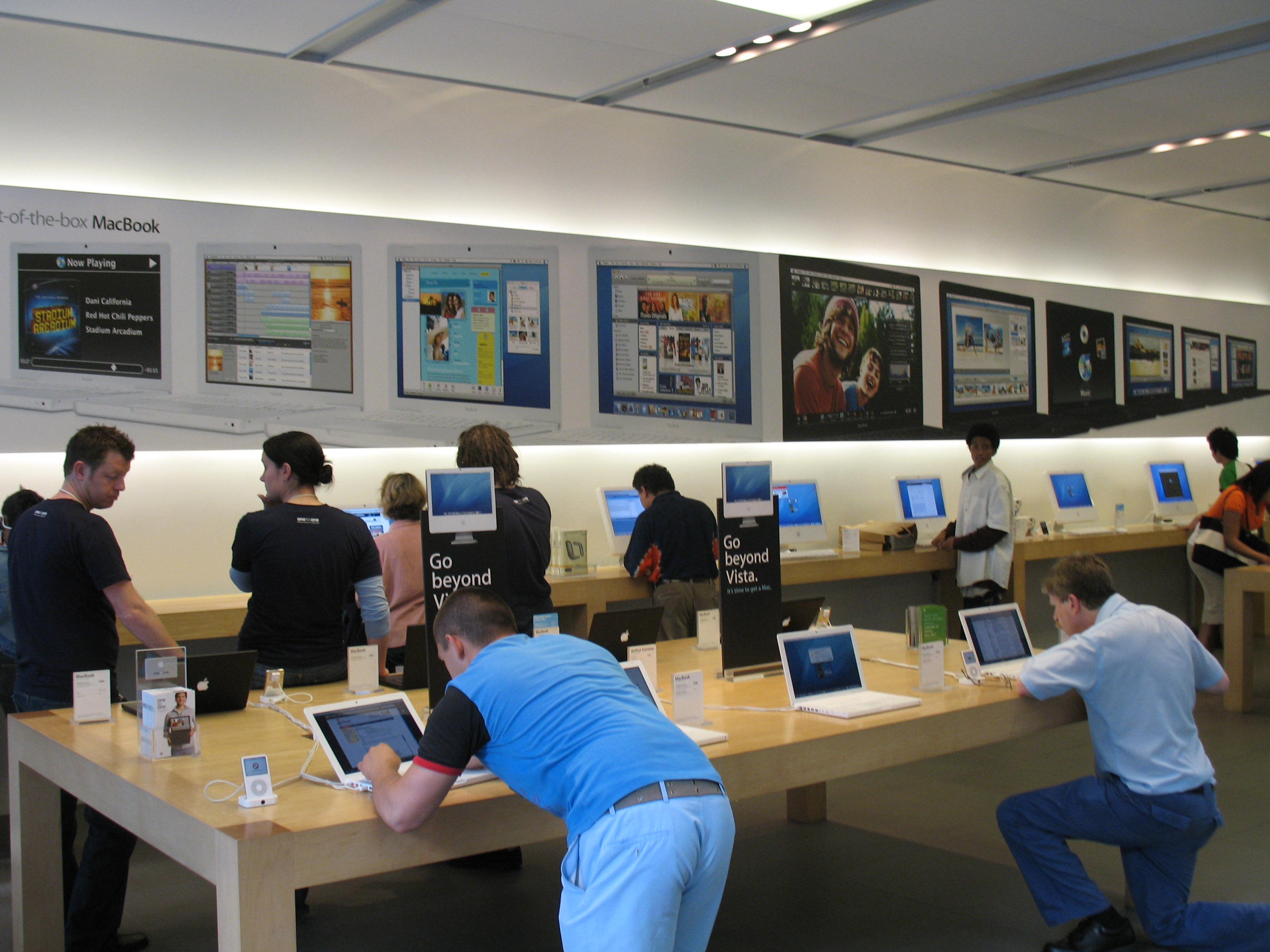 Apple Store Representatives Could Soon Know You're There Thanks To An App