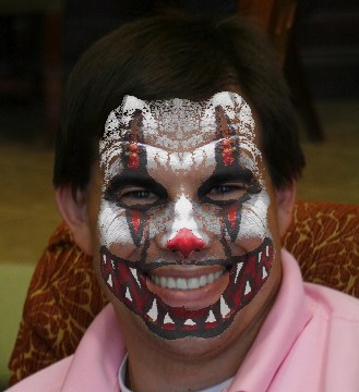 QuickAdvice: Become The Clown Of Your Nightmares With Scary Clown Booth - Plus Win a Promo Code!