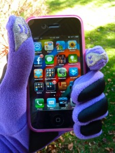 UPDATE: For Men Too! Smartphone Gloves For The Female iDevice Enthusiast