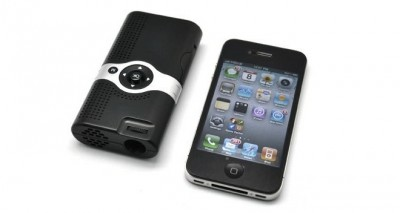 Adapt Pico Play: A Lightweight Projector For Your iPhone