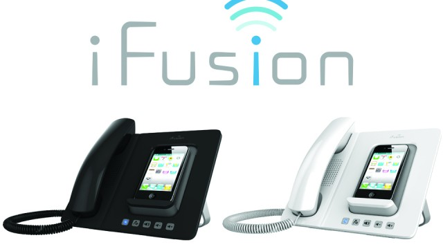 iFusion SmartStation Adds The Comfort Of Traditional Telephone Handset Features To Your iPhone