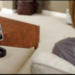 Vyne: A Snake-Like Stand For Your iPhone