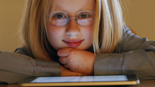 iPad Helps Little Girl See More Clearly, Improve Reading And Study Skills
