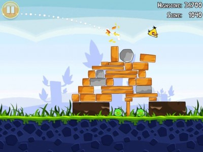 "It's Almost ""Summer Pignic"" Time For Angry Birds Seasons"