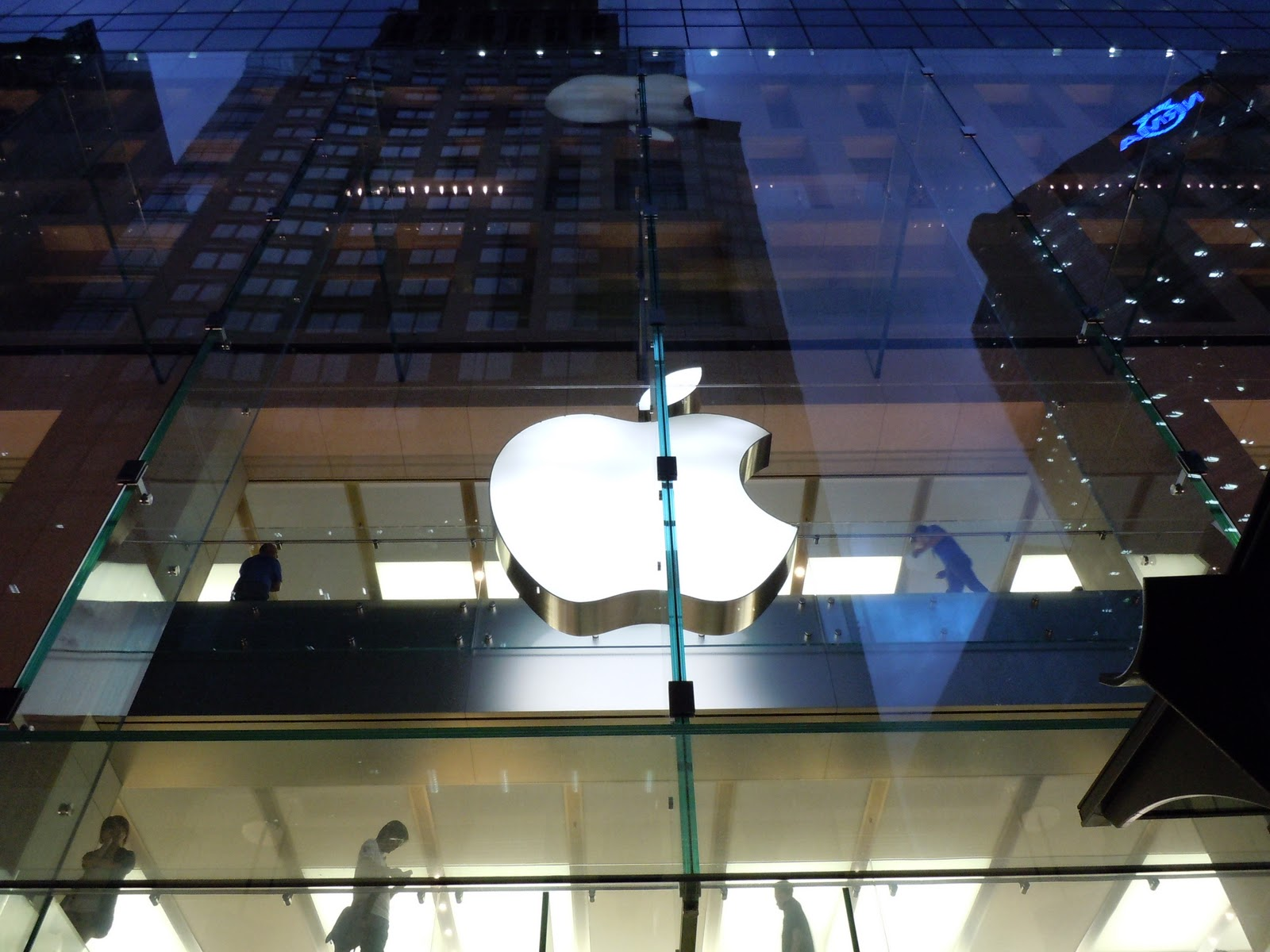 Apple Gearing Up iPad 2 Production Ahead Of Important Sale Seasons, iOS 5 Release