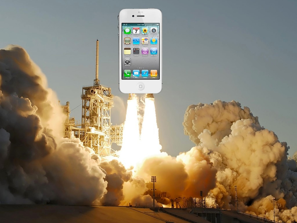"""NASA's Final Shuttle Mission To Take Up A Pair Of """"Space-Ready"""" iPhone 4s"""
