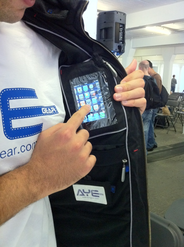 AyeGear - House All Your iOS Devices In This Clever Jacket