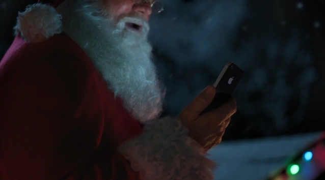 Apple Releases New Christmas Themed iPhone 4S Commercial