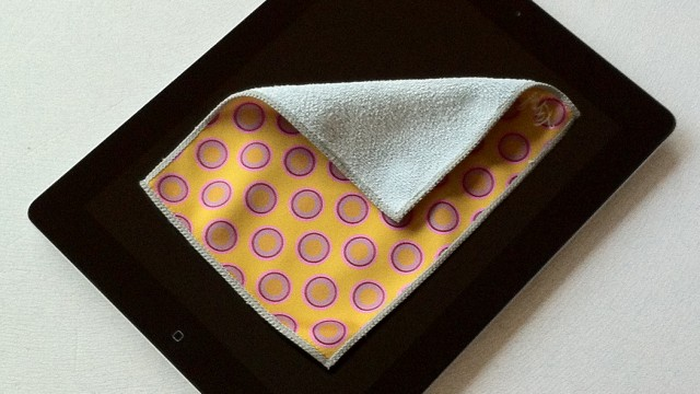 Clean Your Mobile Devices Any Time And Anywhere In Style With The Toddy Smart Cloth