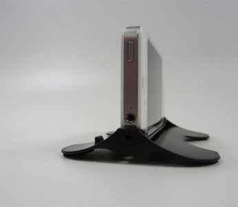The iKliK: A Minimalistic Multi-Angle iPhone Stand