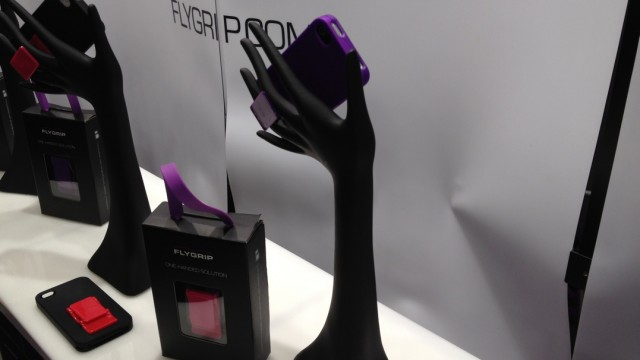 Macworld 2012: If You Have Trouble Using Your iPhone With Just One Hand, FlyGrip Is Your Last Resort