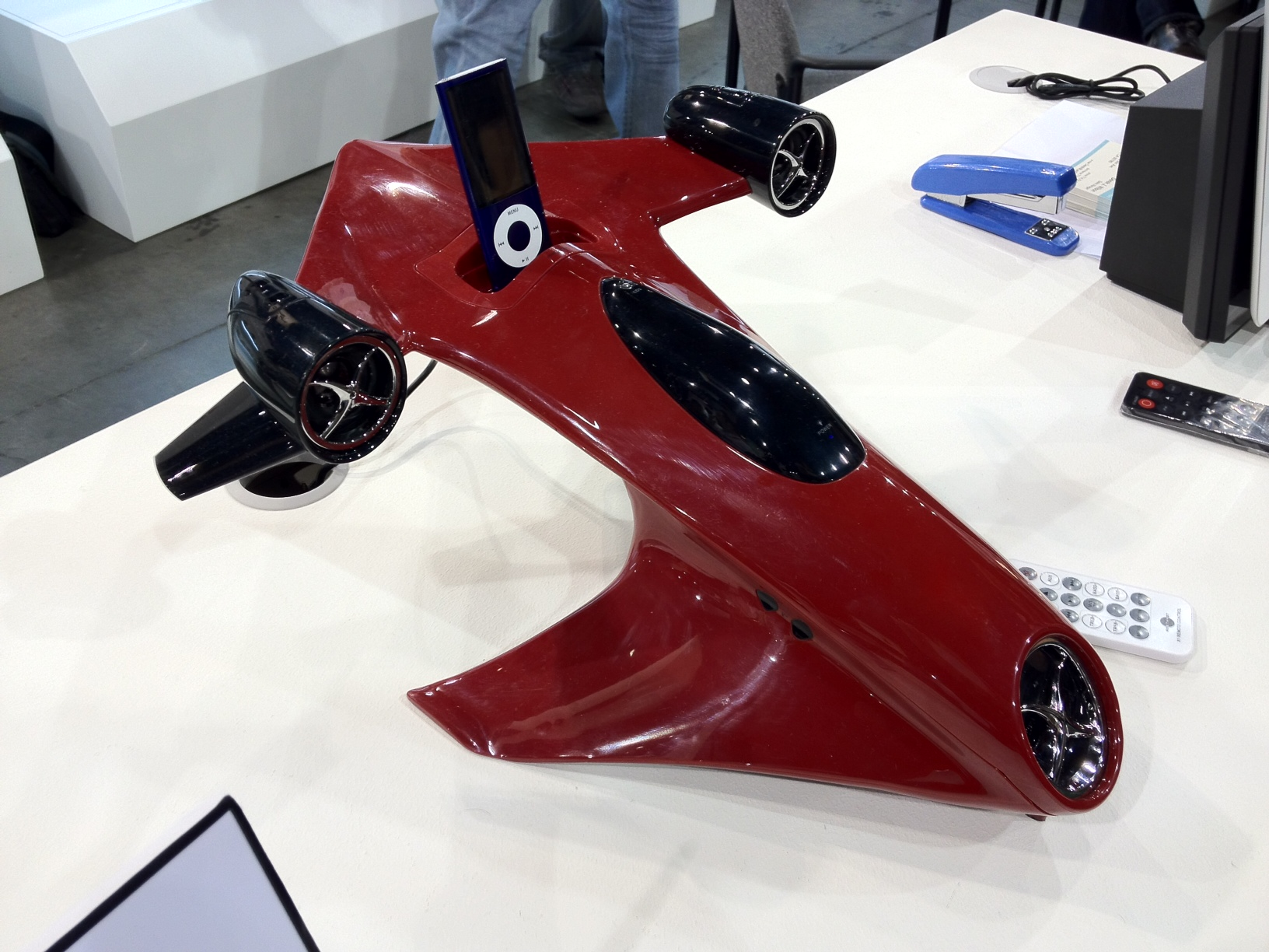 CES 2012: Spice Up Your Living Room With This Rocket Ship Speaker From Lanchiya