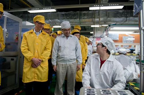 Apple CEO Tim Cook Learns How It's Made, Visits Foxconn