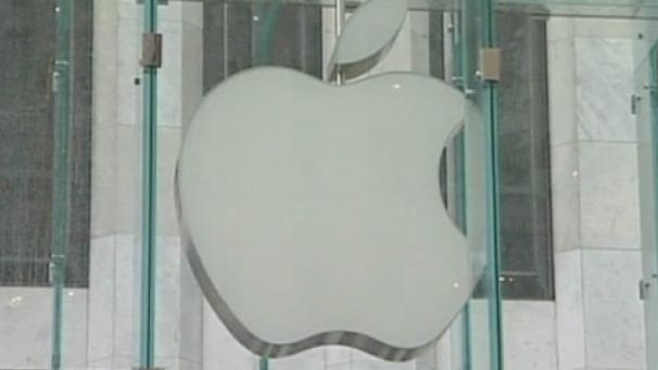 Apple Accused Of 'Misleading' Product Guarantees