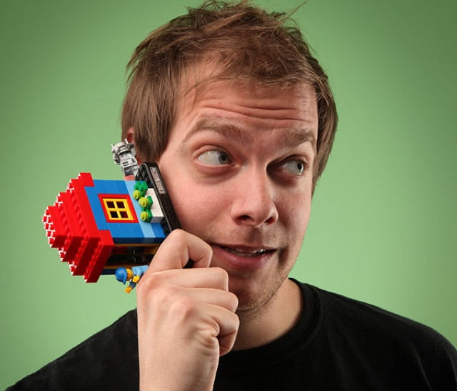 Use LEGOS To Create Your Own Unique iPhone Case