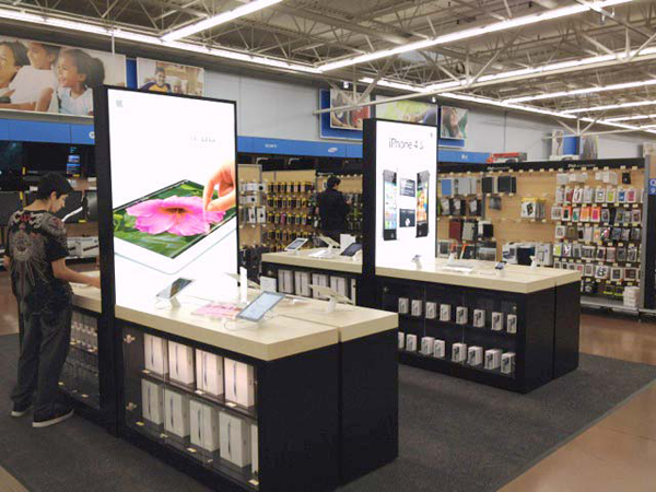At Least One Walmart Featuring New Apple Display Concept With iOS Devices