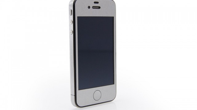 Product Review: iCarbons Skin For iPhone 4S