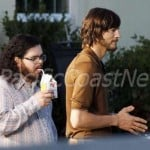 Kutcher And Co-Stars Snapped Filming jOBS Biopic At Steve's Family Home