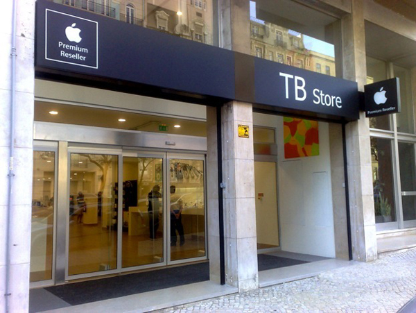 Portuguese Reseller Interlog Fails, Sues Apple For Hefty Sum