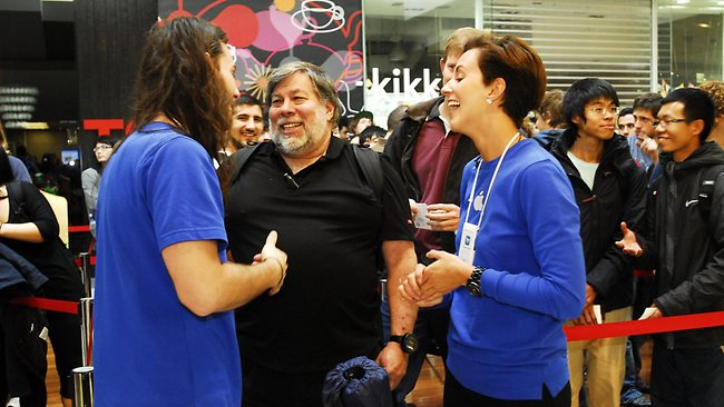 Australians, Steve Wozniak Welcome The iPhone 5