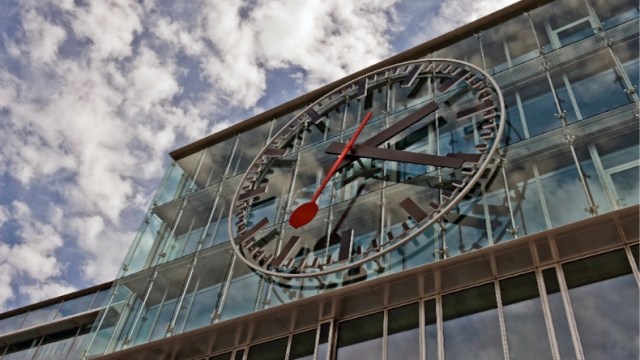 Apple Avoids 'Clockgate' As They Sign Licensing Agreement Over iOS 6 Design