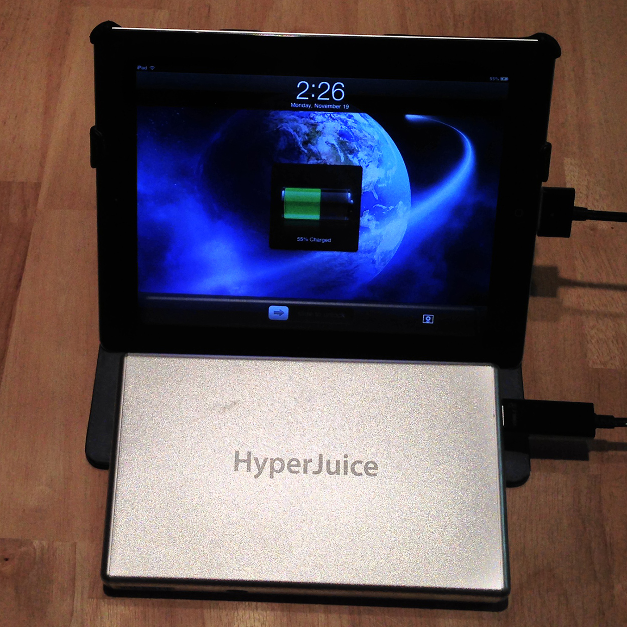 Supercharge Your iDevice With The HyperJuice 2 External Battery