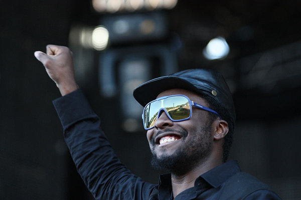 Will.i.am Wants To Turn Your iPhone Camera Into A DSLR With A New Accessory