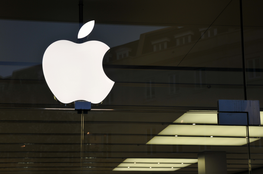 Apple's Rocky Week Set To Begin As Uncertainty Takes Hold