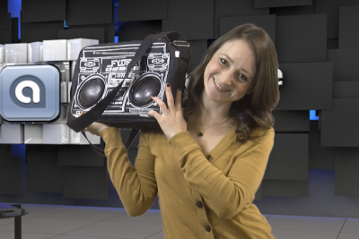 It's Hammer Time! Le Boombox Stereo Bag Review