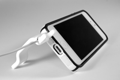 Say Hello To The Newest Kickstarter Project: The Smarter Stand For iPhone