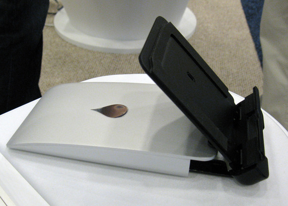 Macworld/iWorld 2013: Always Have A Stand For Your iDevice With The iSlider From Rain Design