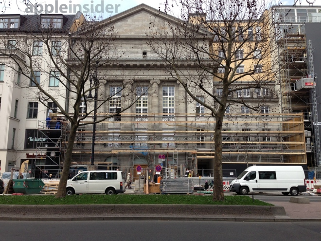 First Apple Store In Berlin Set To Open