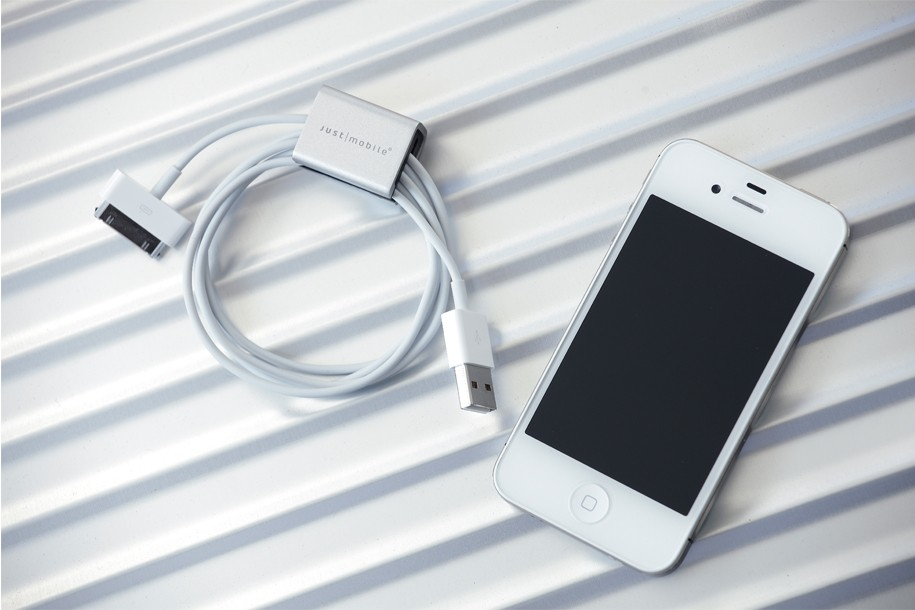 Just Mobile's AluCube Mini Can Help You Cable-Wrangle With Ease