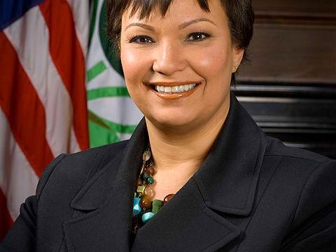 Apple Hires Former EPA Chief Lisa Jackson To Coordinate Its Environmental Efforts