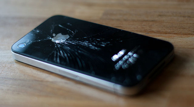 Apple Authorized Service Providers Soon To Offer iPhone Repair Program?