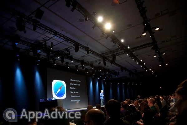 Apple Reimagines Safari On iOS 7 With New Tab Interface, Smart Search And More