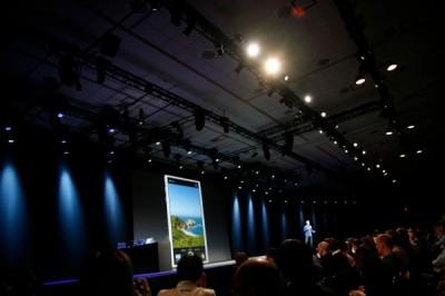 Apple Demos New Photos App On iOS