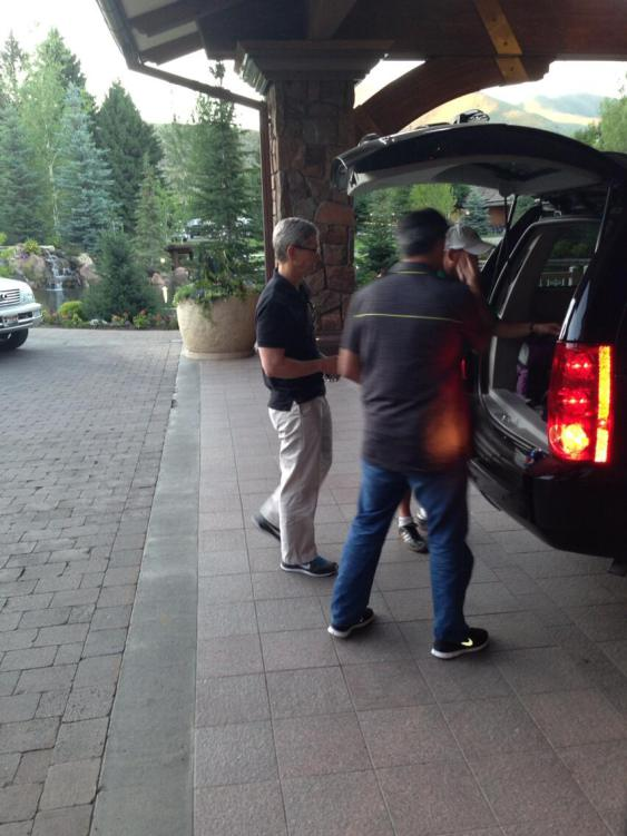 Eddy Cue Joins Tim Cook To Iron Out Content Issues At Sun Valley Conference
