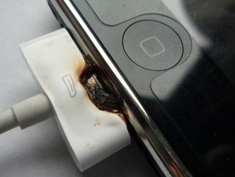 As Another Case Is Reported, Charger Likely To Blame For iPhone Electrocution