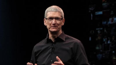 President Obama Meets With Apple CEO Tim Cook Over Government Surveillance